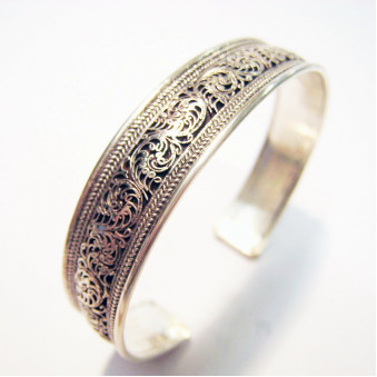 BR-01 bangle open specially fine filigree work 800-silver hand-forged in Nepal