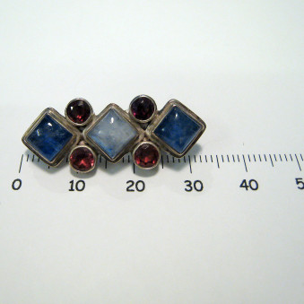 Brooches 3 square stones