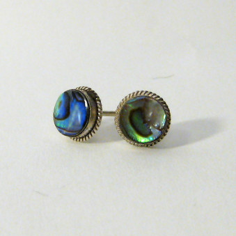 Studs - Silver studs with mother of pearl
