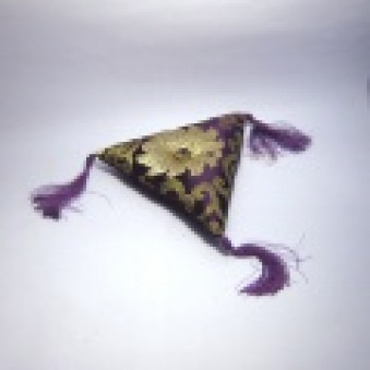 Brocade pillow triangle pillow 16 cm