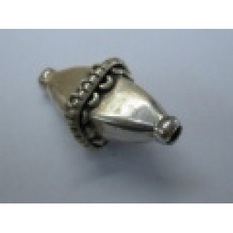 Silver parts, slightly decorated 20 x 11 mm
