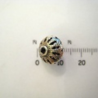 Silver parts, lightly decorated lens 10 x 12 mm