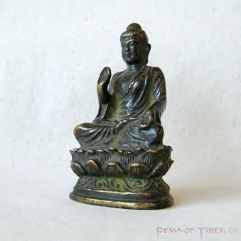 Sitting statue